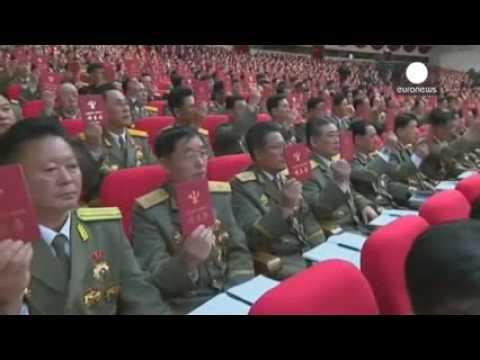 Multitudinaria ceremonia en Pyongyang tras el congreso del partido único norcoreano