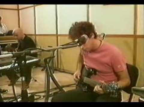 Gustavo Cerati - A Merced