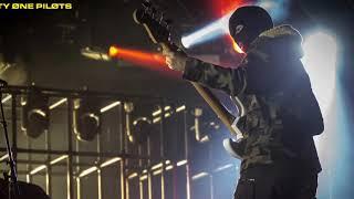 twenty one pilots - Jumpsuit and Levitate w/ Intro (Bandito Tour Version)