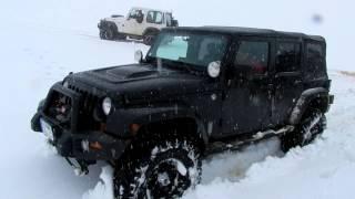 Wrangler Rubicon with V8 HEMI on snow