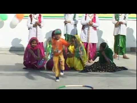 Pradeep Dance Video-13 (suno gaur se dunia walo).MPG