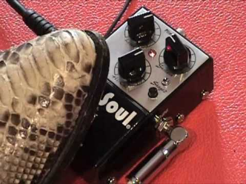 Fulltone PlimSoul overdrive guitar effects pedal demo with Stratocaster