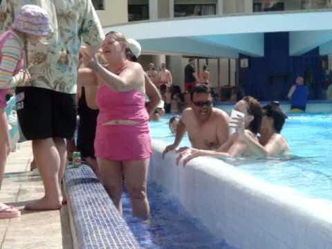 Bbw in the swimming pool 9
