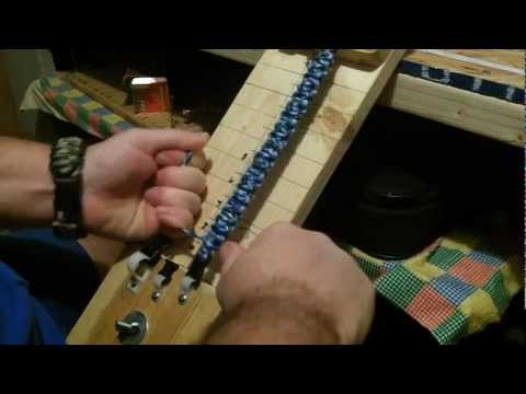 DIY Make A Paracord Bracelet (Cobra)