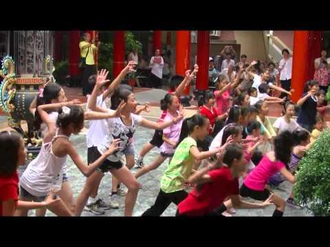 大道公社區舞蹈國際夏令營-成果發表會(兒童片段) - YouTube