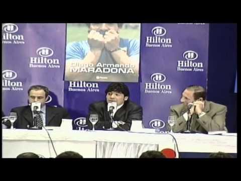 79. Maradona präsentiert sein Buch (2000)