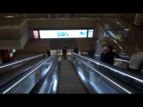 Walking from Concourse D Terminal 4 to the Baggage Claims Phoenix Sky Harbor Airport Phoenix, AZ
