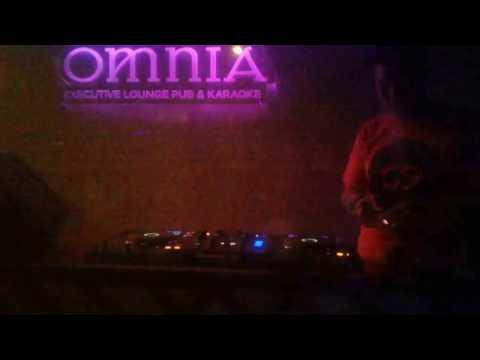 DJ HENDRO