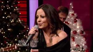 Sara Evans - At Christmas  Kelly and Michael  2014 12 09
