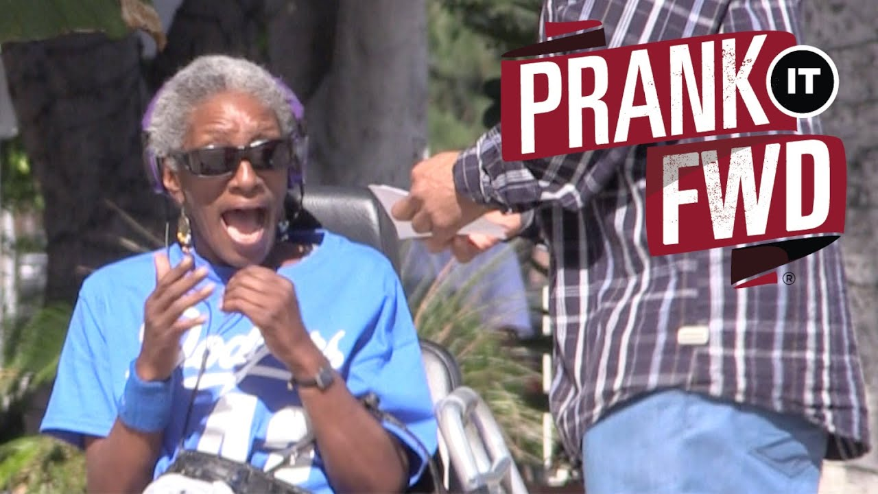 [It Pays To Be Friendly With Prank It Forward] Video