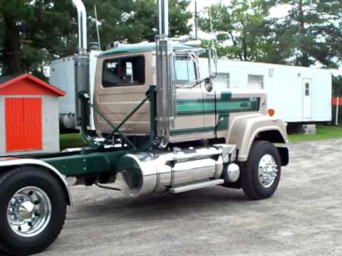 V8 Mack Superliner http://www.video.forall.cz/?v=-kSWwYcixnc