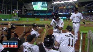 NYM@MIA: Ichiro crushes first homer with the Marlins