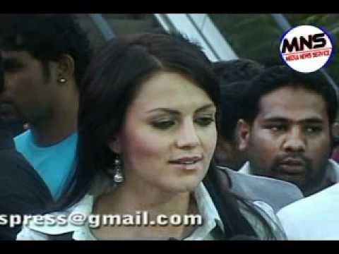 Yana Gupta In Sizzling Item Number Laila In Chalo Dilli video