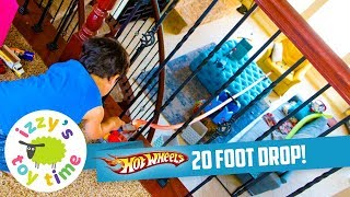 Cars for Kids | HOT WHEELS 20 FOOT BALCONY DROP! Hot Wheels and Fast Lane Fun Toy Cars for Kids