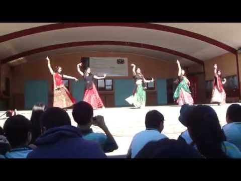 Bollywood Dance Performance- Nagada Sang Dhol, Chhan Ke Mohalla, Rangeelo Maro Dholna video
