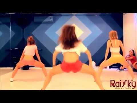 Танец попой, как танцуют девушки!!!