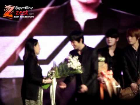 [Fancam] 110401 JYJ PRESSCON AT SIAM Paragon [5] End