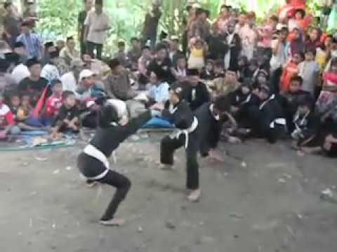 Silat Bahaya Adat Bangkalan Madura video