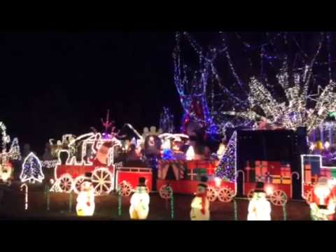 Cottage Grove WI Christmas Lights | Best of Midwest Epic Lighting | Madison WI | Duplayee