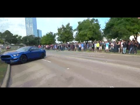 Shelby GT350 crash / Houston Cars and Coffee / FULL VIDEO / October 2016