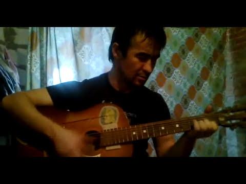 Узбек классно поёт и играет на гитаре