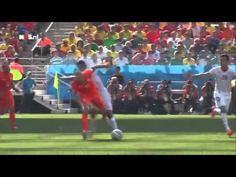 Kuyt was blij met positie | WK Voetbal 2014