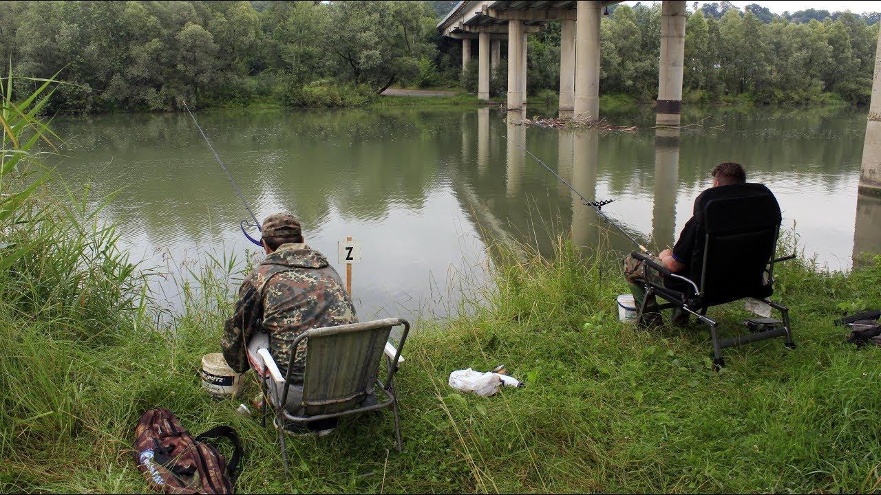 ловля кленя на річці