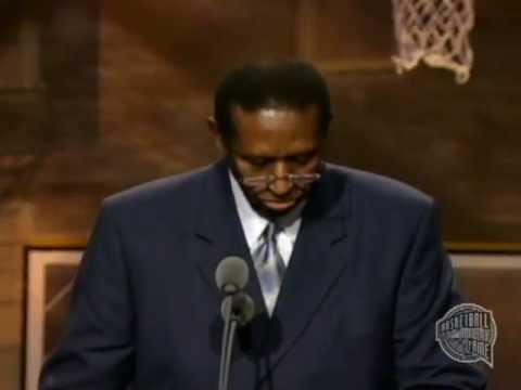 Hall-Of-Famer Earl Lloyd, First Black Player To Appear In The NBA, Dies at 86
