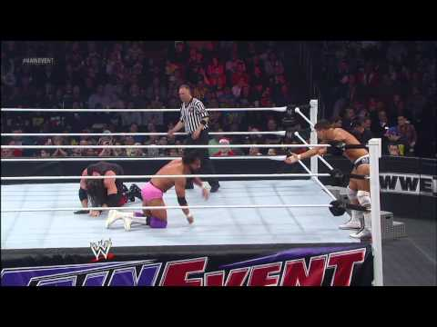 Team Hell No vs. Team Rhodes Scholars - WWE Tag Team Championship Match: WWE Main Event, Dec. 19, 20