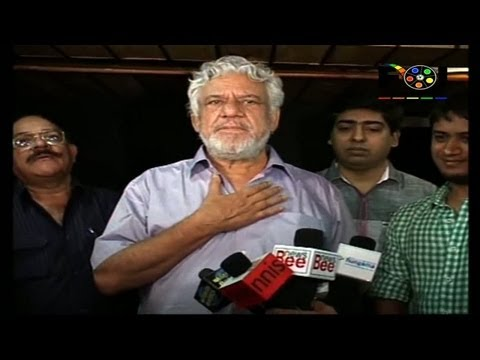 Watch Om Puri Recording For A New Song