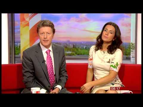SUSANNA REID (22 Oct. 2013) BREAKFAST  BBC ONE(slow mo)