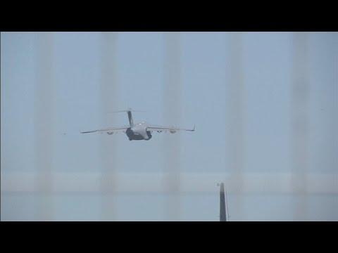 Last plane leaves Ukraine crash site