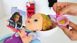 Baby Alive minha Boneca Sara e Mamae trabalhando no salãozinho 💄💅de beleza!!! Totoykids Portugues