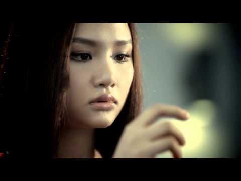 Qua Cho Anh Remix Miu Le video