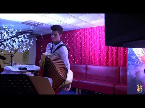 angélique neuville youtube