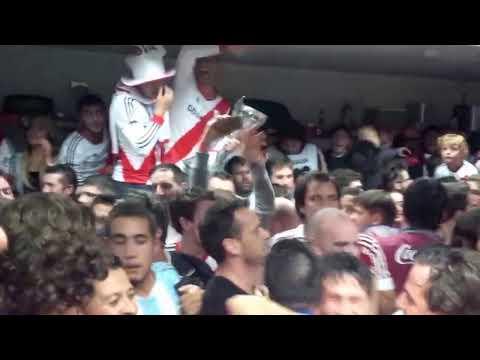 Festejos River Campeón vestuario METEGOL 7