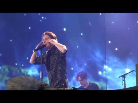 Take That - Pray - 9-7-16 Hyde Park HD FRONT ROW