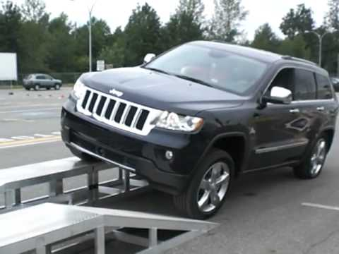 2011 Jeep Grand Cherokee With Quadra Lift Air Suspension Youtube