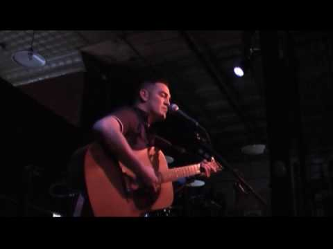 Bob Pepek opening for Julia Nunes - Earth Angel (Cover) Video