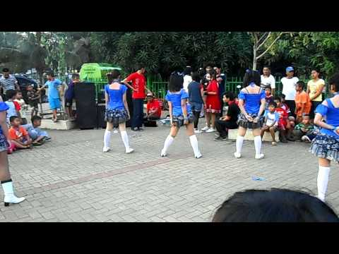 Ren-ai Project Dance - UZA - AKB48 cover @ BKS48 Gathering