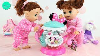 Las Muñecas Baby Alive SARA juegan a tomar el té con juguetes de Minnie Mouse