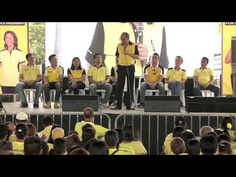 Aquino hits Duterte's commitment to presidency