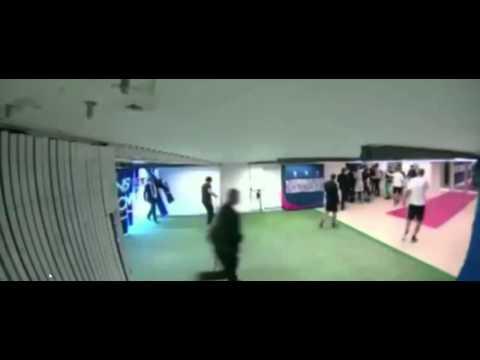 Brandão da cabeçada em Thiago Motta PSG