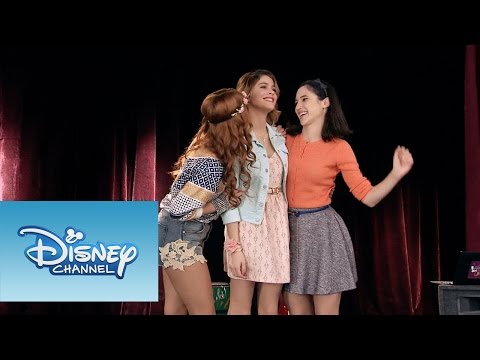 Violetta: Momento Musical: Camila Violetta y Francesca cantan Código amistad