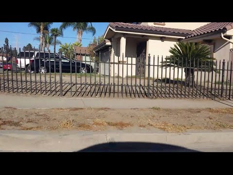 CALIFORNIA DROUGHT SHOCK: WHOLE NEIGHBORHOOD WITH DEAD GRASS