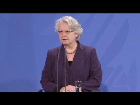 Tesi di dottorato copiata, si dimette ministro dell'educazione tedesco