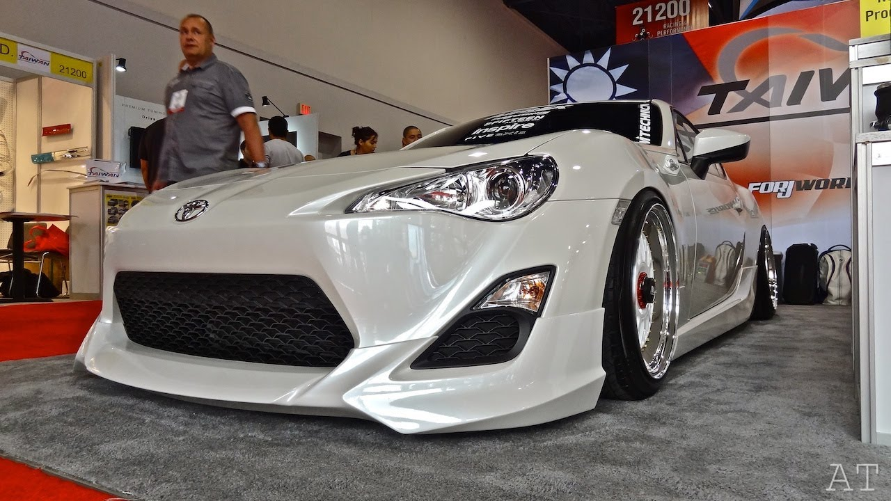 SLAMMED Scion FRS & C350 at SEMA 2012 - YouTube