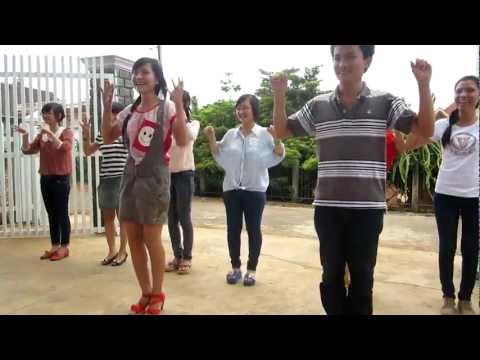 Nhảy Chicken dance - 12A1