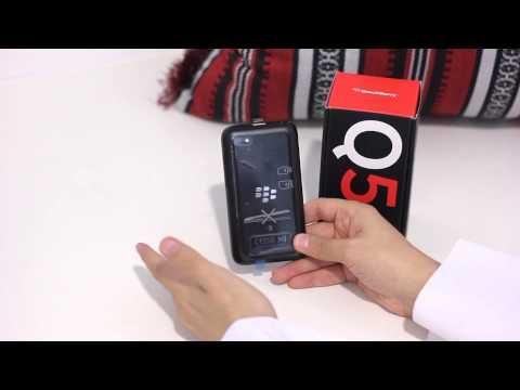 بلاكبيري كيو ٥ اسود - شنو في القوطي؟ Blackberry Q5 Unboxing