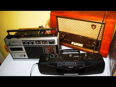 Old Radios as Smartphone Docking Stations / Tube Radios